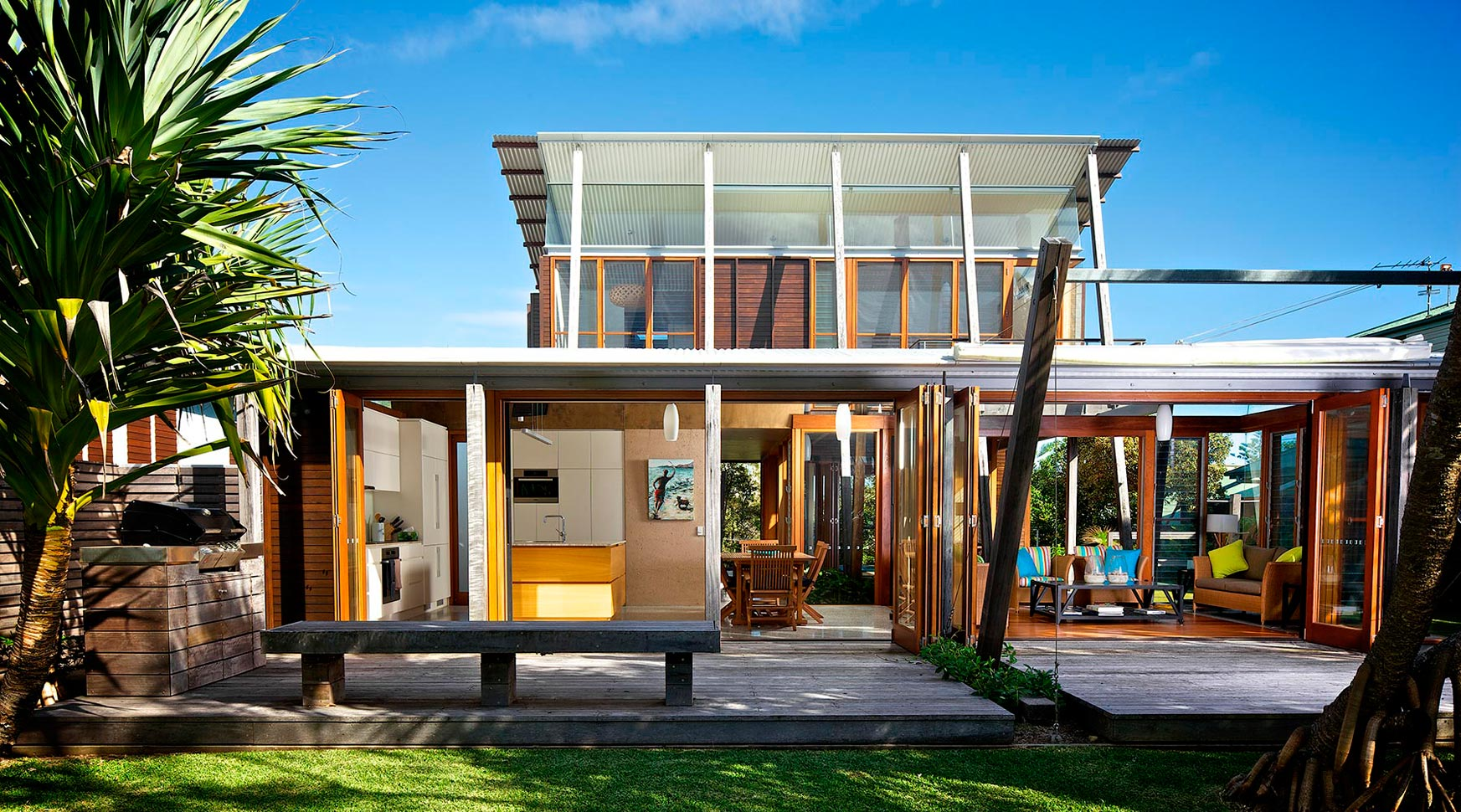 Award winning architects loucas zahos for Beach house architecture